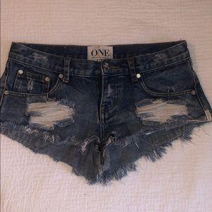 One teaspoon shorts. Size 25